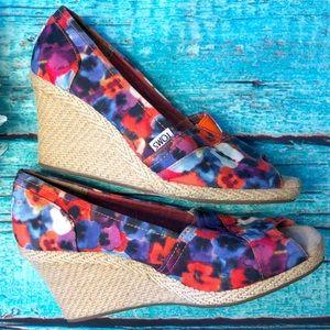 Toms Floral Peep Toe Wedges